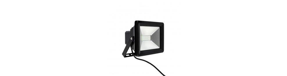 Naświetlacze i reflektory LED